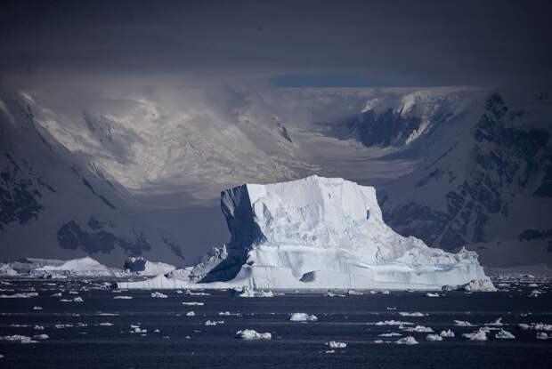 В ледяном керне Антарктиды ученые обнаружили марсианский минерал