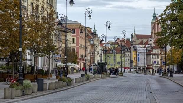 Захарова указала на безграничные антироссийские устремления Польши