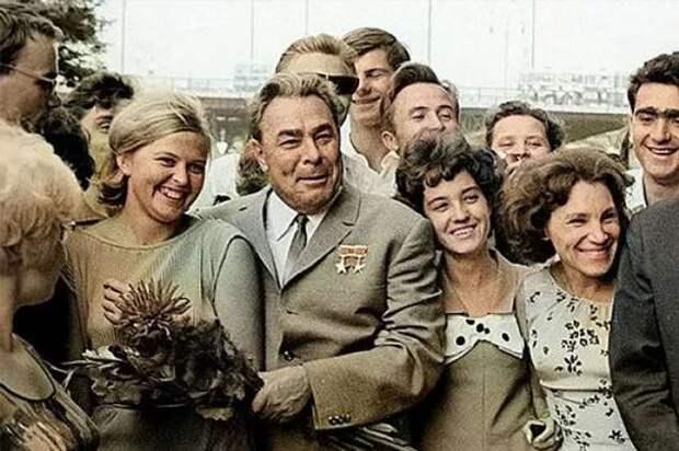 За время правления Брежнева бесплатные квартиры получили 164 миллиона человек. Правда или миф? (5 фото)