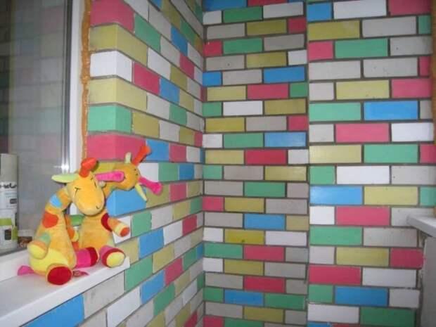 Как покрасить кирпичную стену без штукатурки: цель, способы и выбор краски