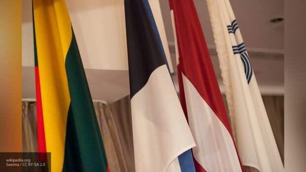 Оскорбляющие Россию страны Прибалтики начали хамить «европейским друзьям»