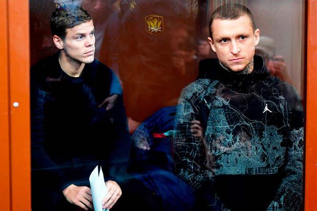 Сослан ГАТАГОВ: Я должен был провести ту ночь вместе с Кокориным и Мамаевым. Дзюба и Карпин – лидеры, вот и столкнулись лбами