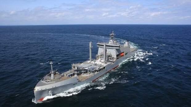 Только что вступивший в строй ВМС Новой Зеландии многофункциональный танкер снабжения А 11 Aotearoa. Тот самый - с ВИП-каютами