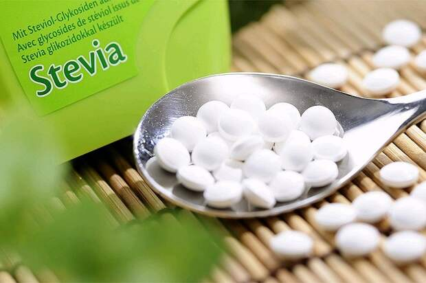 Стевия не намного полезнее сахара. / Фото: vseanalizy.com