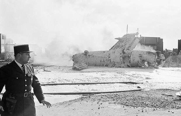 19 июня 1965 года на авиасалоне в Ле-Бурже (Франция) итальянский военный самолет Fiat G-91 приземлился на расположенную рядом с ВПП автостоянку. Погибли 9 человек, 12 получили травмы, сгорели 50 автомобилей. Причиной стала выработка топлива, в результате чего самолет не дотянул до полосы. Ответственность была возложена на погибшего летчика