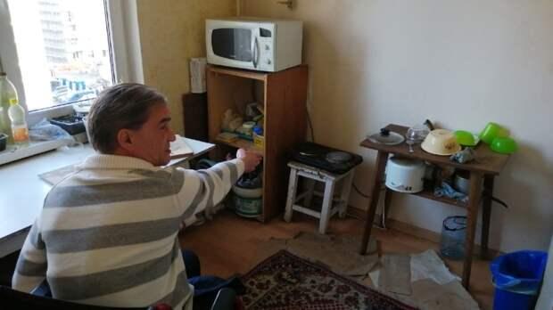 «Развел на квартиру»: инвалид-колясочник из Калининграда обвиняет отца в мошенничестве