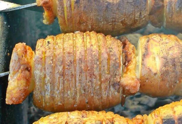 Шашлык из картошки с салом: неожиданно и вкусно