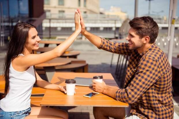 Откуда в отношениях берутся «третьи лишние» и что с ними делать?