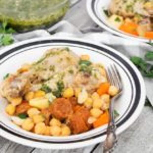 Косидо — испанский густой суп из фасоли или нута с овощами, мясом и копченостями.