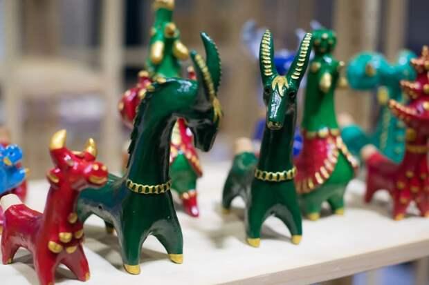 Выставка-ярмарка народных художественных промыслов и ремёсел России «Жар-птица. Осень 2021»