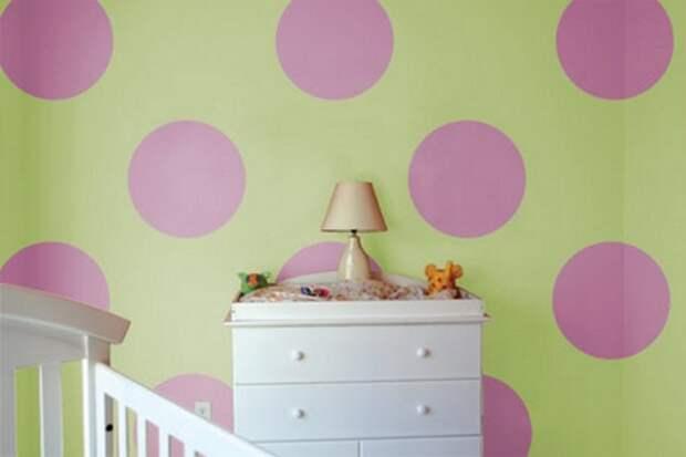 комбинированная покраска стен в горох