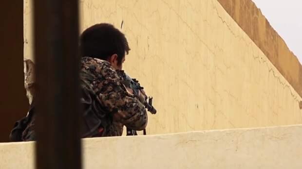 Курдский боевик