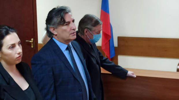 Адвокат Михаила Ефремова повысил доход своей фирмы после провального суда