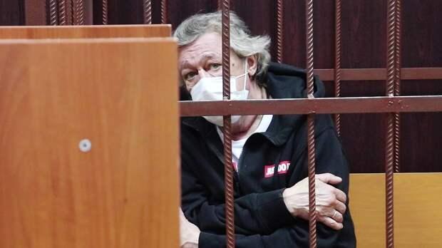 Селюк: «Ефремов должен провести начало срока вклинике. Амашин без подушек безопасности недолжно быть вМоскве»