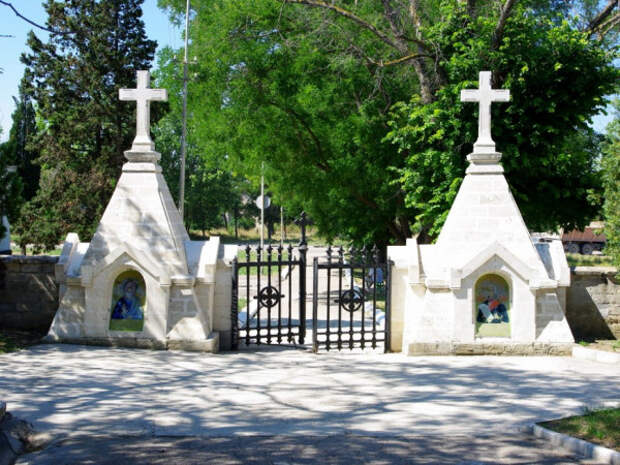 На благоустройство севастопольских кладбищ выделят 25 млн рублей