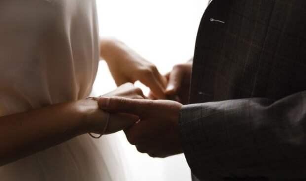 Бывшая солистка Serebro выходит замуж за полицейского