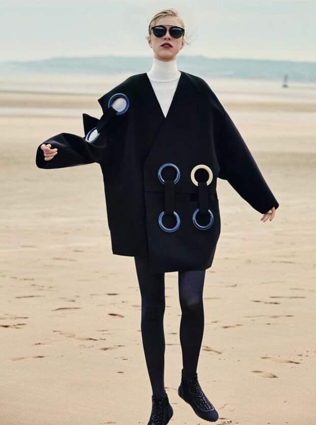Пальто с люверсами