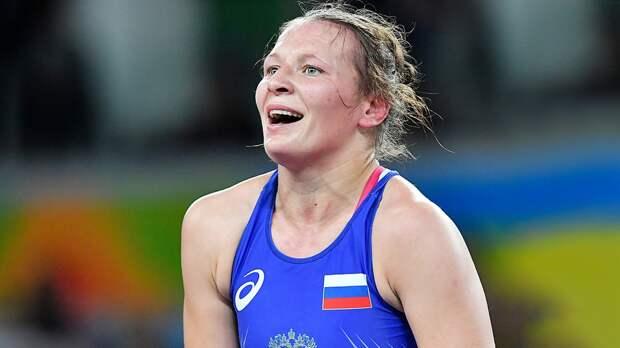 Тражукова выиграла золото ЧМпоборьбе. Украинцы оспорили решение судей, подставив свою спортсменку