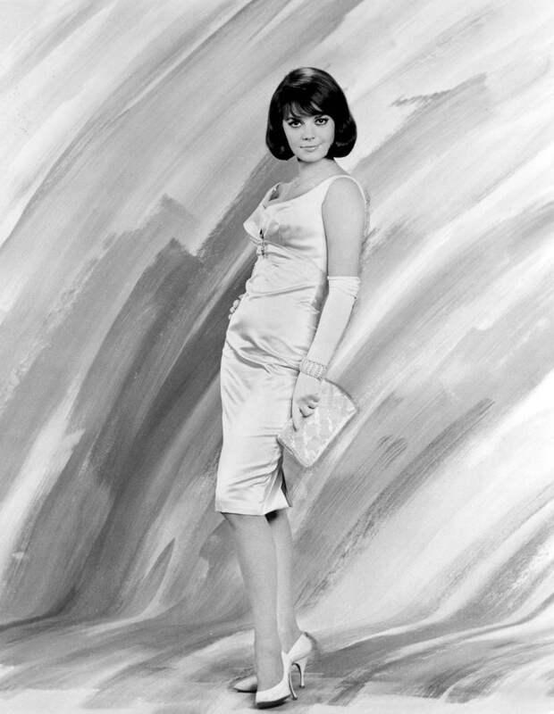 """Тони Кертис и Натали Вуд в промо фотосессии к фильму """"Секс и незамужняя девушка"""" (1964)."""