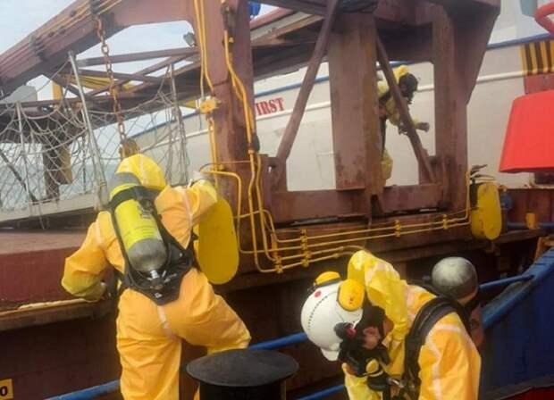 МЧС: угрозы населенным пунктам из-за ЧП на судне в Керченском проливе нет