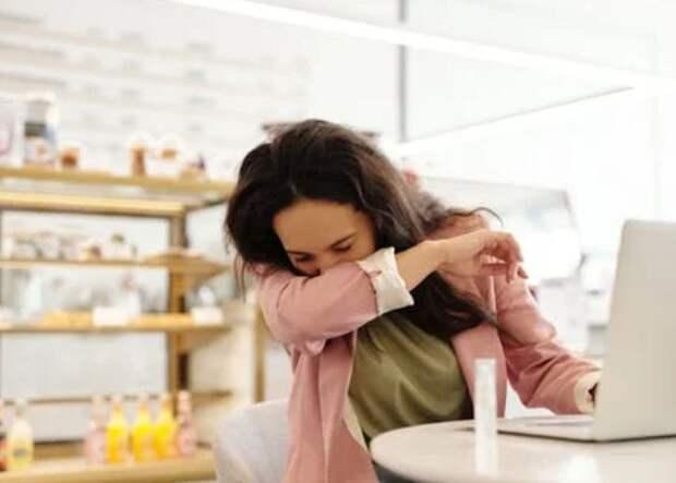 Как отличить коронавирус от тяжелой простуды: объясняют врачи