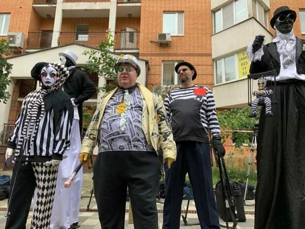 10 трешовых видео и фото у здания суда, где выносили приговор Ефремову