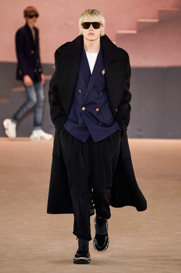 Старший сын Натальи Водяновой принял участие в модном шоу Balmain