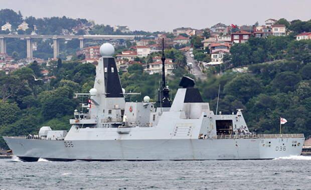 Россия открыла предупредительный огонь по британскому судну в Черном море