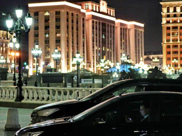 Ждите платные парковки во дворах - Госдума снова жжет!