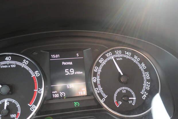 показания на скорости 100 км/час с выставленным порогом на круиз-контроле