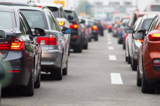 Загруженность Алтуфьевского шоссе вечером 27 мая — три балла