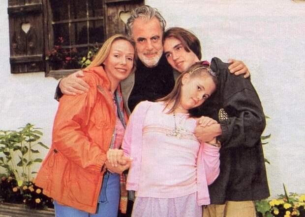 Счастливое семейство./фото: fotocop.ru