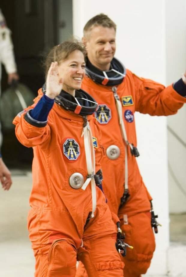 Детективная история Лизы Новак— успешной астронавтки, бездарной убийцы ипросто несчастной женщины