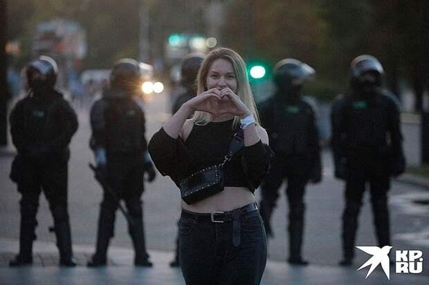 Что говорят сами белорусы о протестах в своей стране: «Хотим жить с Россией! А нам вбивают в головы - все беды от нее...»