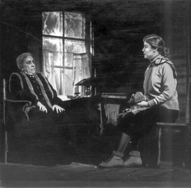 Руфина Нифонтова и Вера Пашенная. / Фото: www.kino-teatr.ru