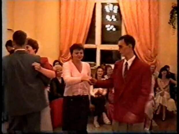 Танцы, пьянка и разврат. О, выпускные 90-х