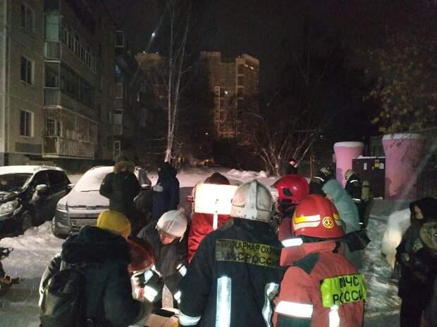 Житель Екатеринбурга направлял пожарных, читая мольбы горожанки о помощи в Twitter