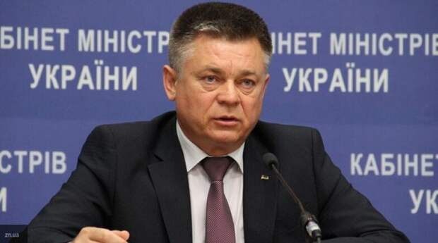 Экс-министр обороны Украины качает права в Крыму