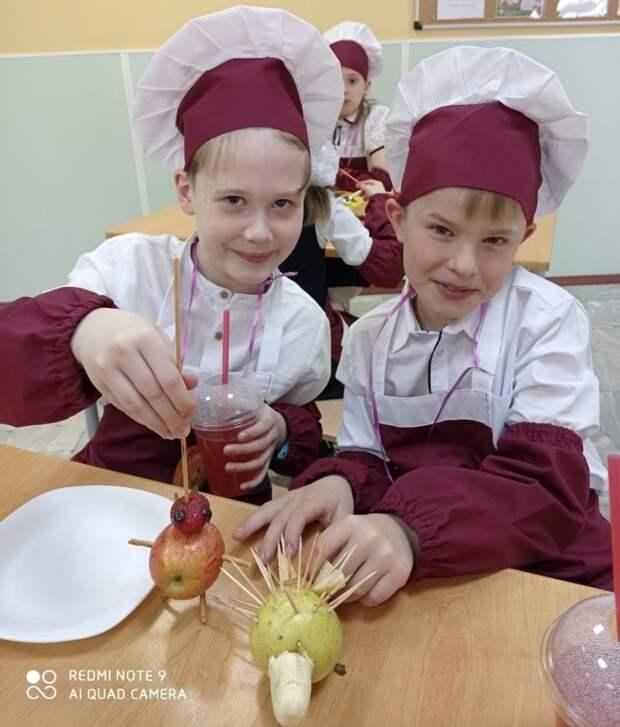 «Витаминный» мастер-класс: как съесть фрукты красиво