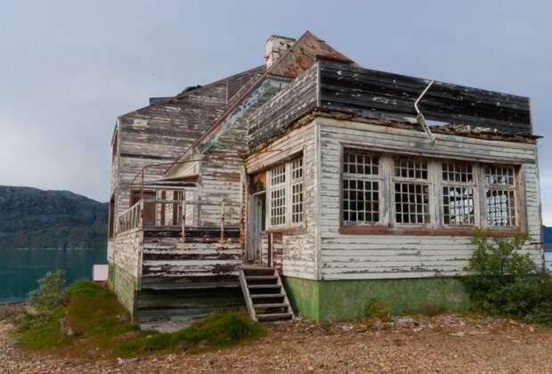 Заброшенный криолитовый шахтерский городок Ивиттуут