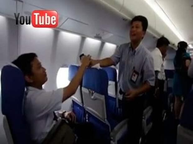 Видео последних минут с борта разбившегося Superjet-100 попало в Сеть