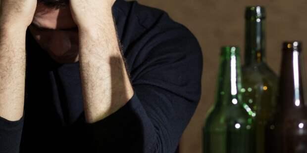 Алкоголь «косит» россиян