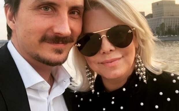 Яна Поплавская: Самоизоляция привела к накалу внутрисемейных отношений