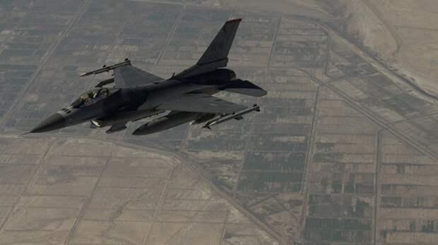 Истребитель ВВС США перехватил нарушивший бесполетную зону над Нью-Йорком тренировочный самолет