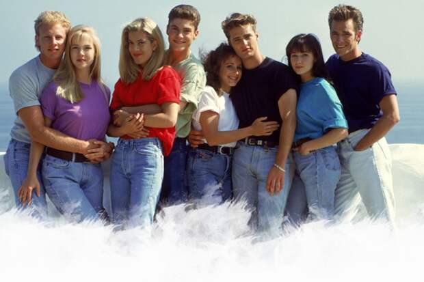 Наверное, эти ребята не нуждаются в представлении, сериал начали показывать в 1997. Многие подростки того времени мечтали быть похожими на этих героев. Роскошная жизнь, красивые отношения, интриги... Успешный рецепт. Пожалуй, трудно сказать, что про этот сериал совсем забыли, но мы не могли не включить его в наш список хитов прошлого, фанаты не простили бы :)