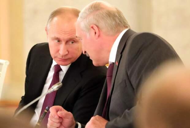 Политолог: Лукашенко поставил Путина перед выбором относительно Байдена