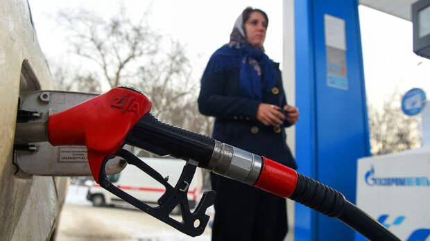 Не надоело дурить народ? Снова нефть дешевеет, а бензин дорожает