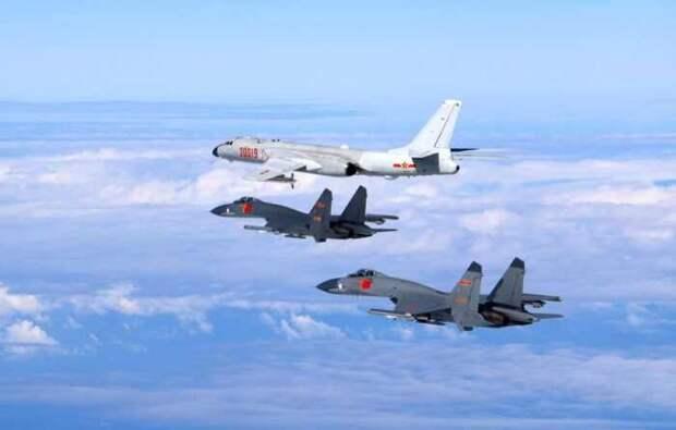 Авианосец США «Теодор Рузвельт» остановили 15 истребителей и 6 бомбардировщиков КНР