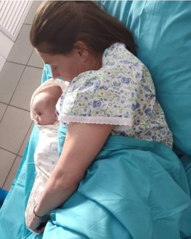 Мария Голубкина поделилась с подписчиками внезапным фото из роддома
