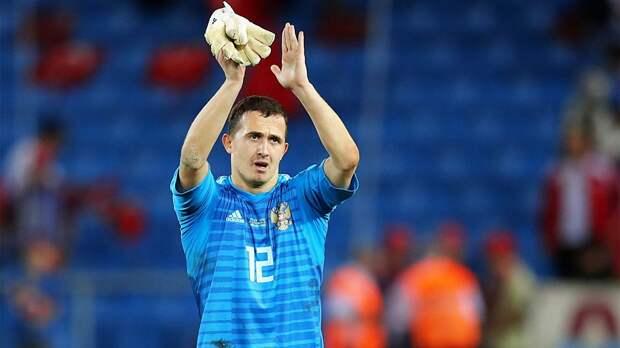 В тренировке сборной России участвовали 26 игроков, Лунев присоединится к команде завтра